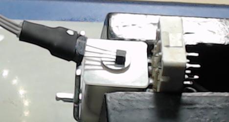 ▲ 线性HALL A1308测量继电器磁芯的磁感应强度
