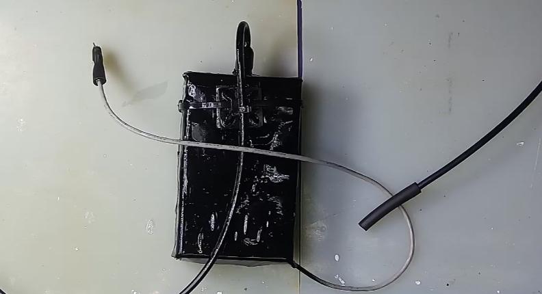 ▲ SP-45ML光电二极管放大模块及其光导纤维