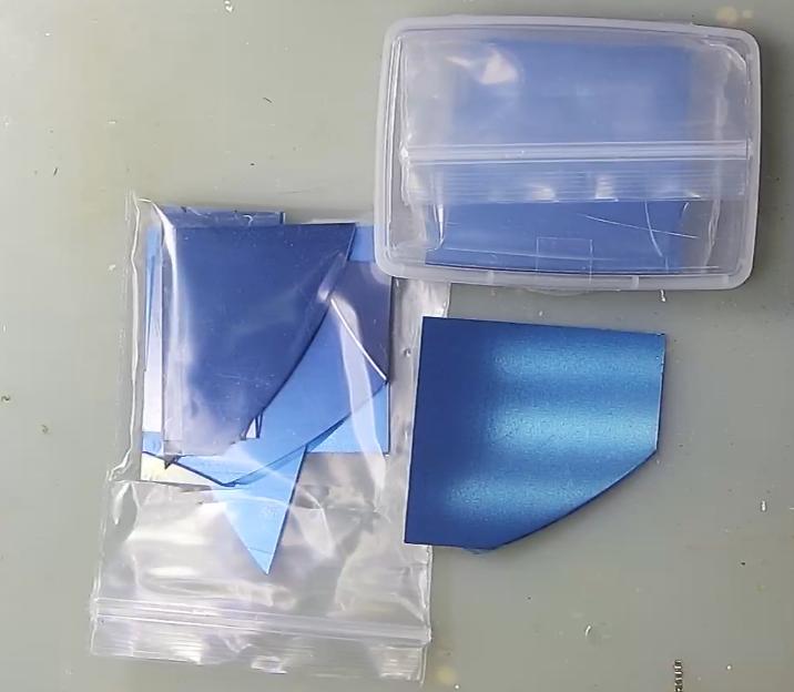 ▲ 购买到的单晶硅及其安装盒