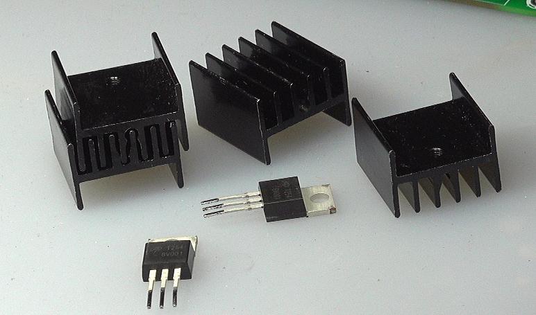 ▲ 拆焊下来的AOT254L高频功率MOS管