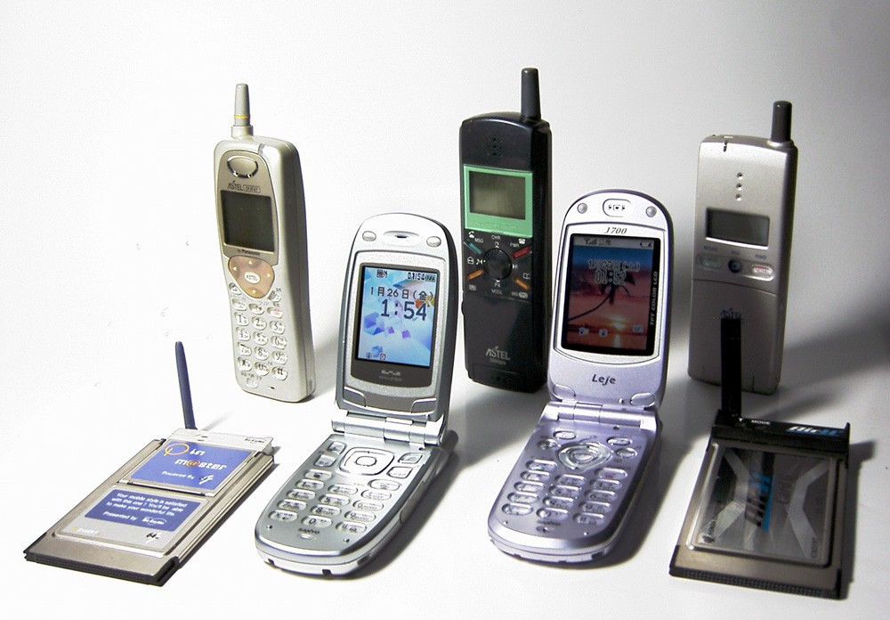 ~1997–2003—Mobile phone technology is innovated.