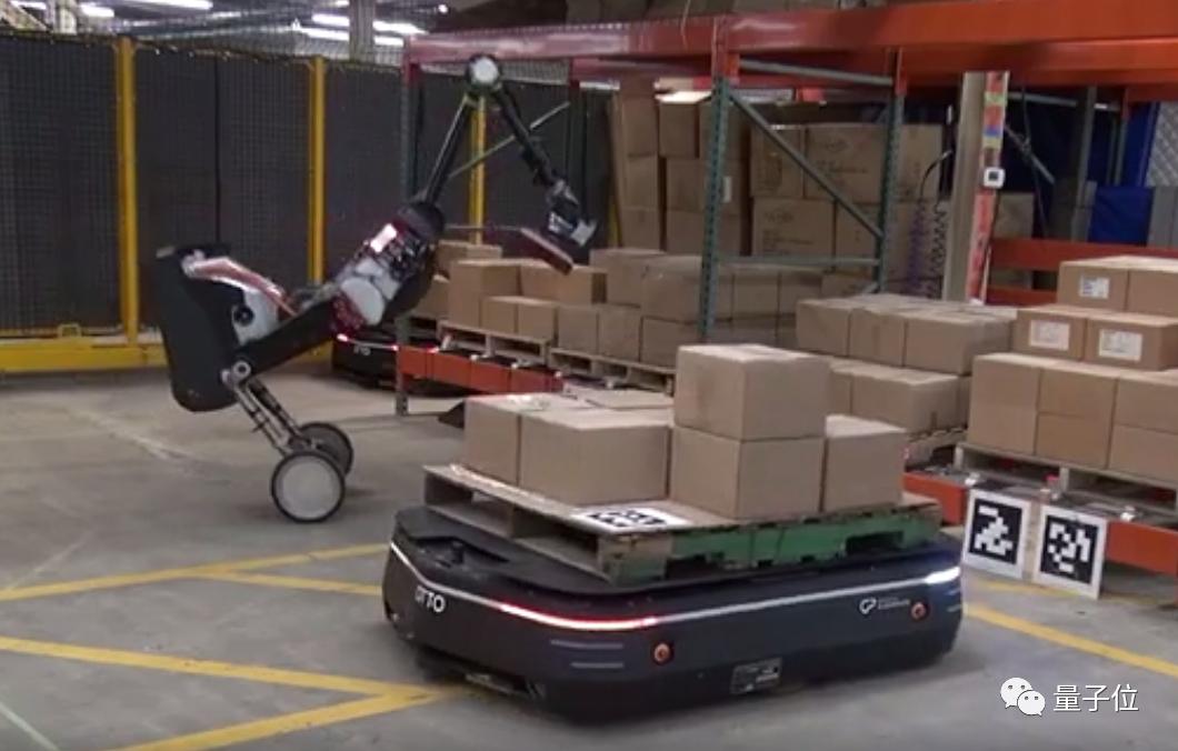 """波士顿动力最新仓储机器人,每小时""""搬砖""""800块"""