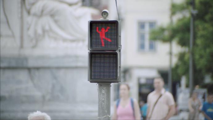 会跳舞的红绿灯?有爱又有趣的交通安全提醒